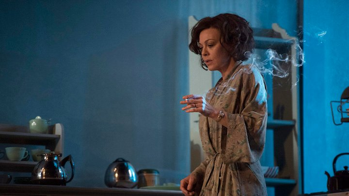 W01-DeepBlueSea-Helen McCrory-(by Richard Hubert Smith)