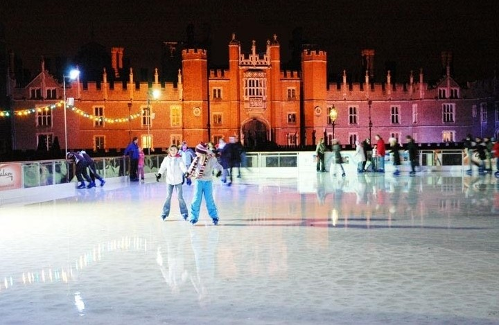 iceskating-hamptoncourt2