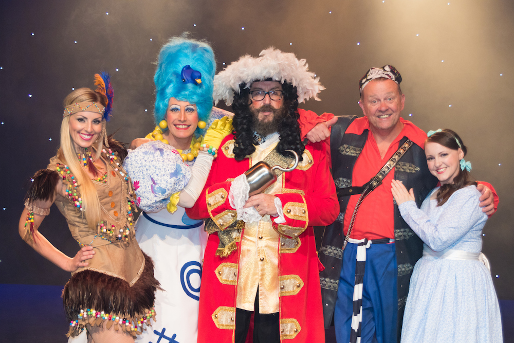 Harlequin Theatre, Redhill, Pantomime 2017 - The cast of Peter Pan at the Theatre.<br /> Picture Shows:<br /> L/r Abigail Welford, Simon Bashford, David Myers, Neil Wheatley and Chrissy Kett.