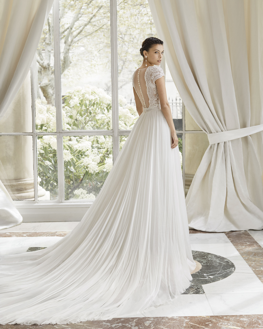 Largest Wedding Dress: The Biggest Wedding Dress Trends For Brides In 2020