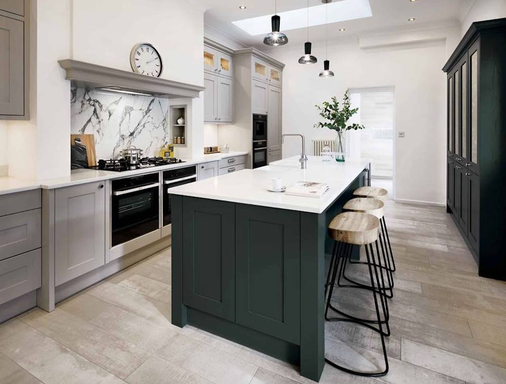 Park House Kitchens, Surrey - bold colours