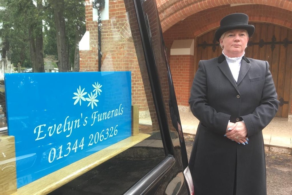 Amanda Pink - Funeral director at Evelyn's Funerals in Camberley, Surrey